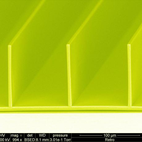 Exemple de fonctionnalisation de surface : haut rapport d'aspect