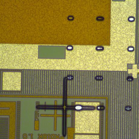 Example of microelectronics device: alignment made with UV-KUB 3 mask aligner