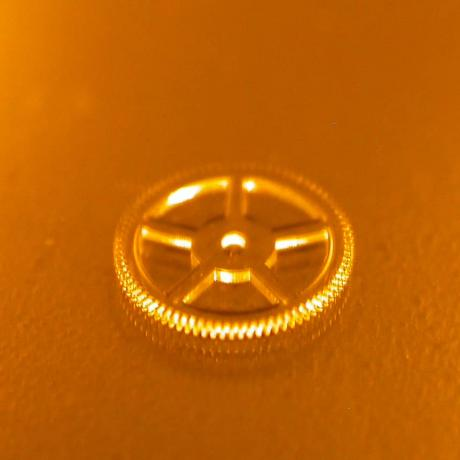 Exemple de structure micromécanique : micro-engrenage